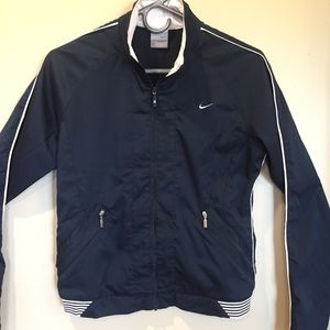 Nike full zip lightweight jacket with pockets